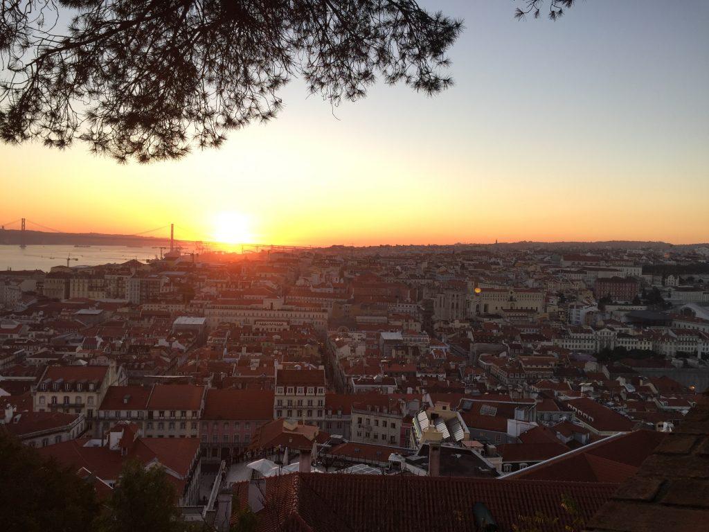 サン・ジョルジェ城からのリスボンの夕日