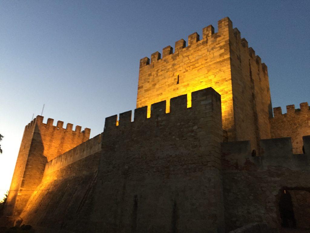 サン・ジョルジェ城のライトアップ