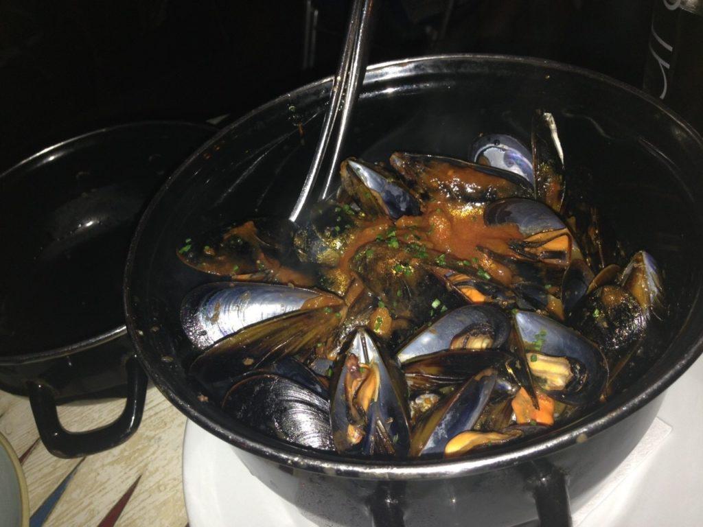 Xiringuito Escribaのムール貝のトマト煮